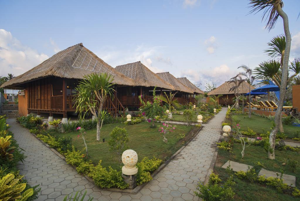 Laguna Reef Huts & Resto